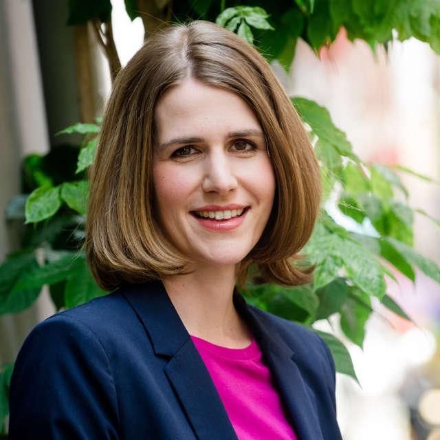Dr. Heike Fröhlich *
